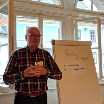 Secretary Chris Sollberger at Toastmasters Villach's first meeting.